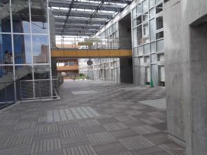 志木市志木小学校・いろは図書館・いろは遊学館150930 015